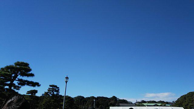 平成最後の一般参賀の日の皇居の青空(投稿者:マルコ)