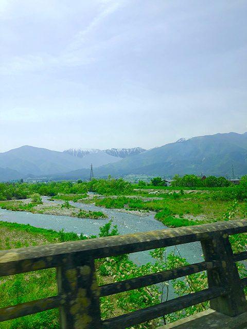 長野県・穂高川 (投稿者:黄色いバラ)